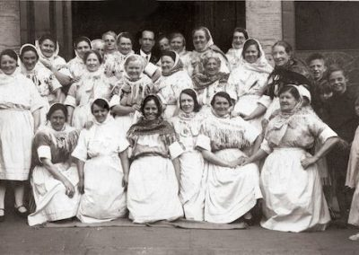 The Newhaven Fishwives Choir 1935.