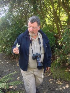 Episode 5 - Dave Mitchell wi the flower o' the rhododendron Sino Grand