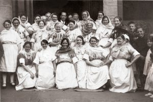 Episode 28 - Newhaven Fishwives choir 1935